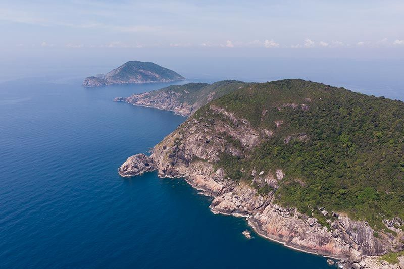 Drone pic taken on the south east of Cham Island looking south towards Hon Tai (Tai Island)